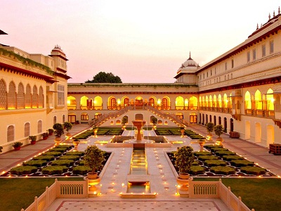 Known to be the city of royalty, Jaipur comes with an ancient regal glory. The forts and palaces in the 'Pink City' speak of the grandeur of many past eras.</p> <p>This is probably the only place in the world where even a desert safari would seem romantic. It's also the best place to shop for handicrafts in the entire country if your partner loves to shop classy.