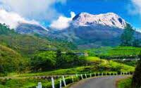 Best Honeymoon destination with lakes, mountains and tea gardens, Munnar India