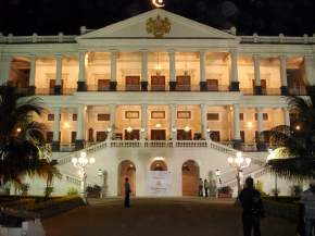 attractions-Falaknuma-Palace-Hyderabad