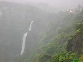 attractions-Dhobi-Falls-Mahabaleshwar
