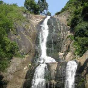 Kalhatty Waterfalls, Ooty
