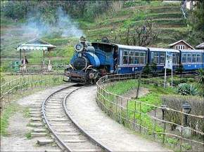 toy-train, darjeeling