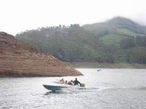 elephant-lake, munnar