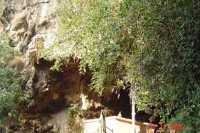 attractions-Kavala-Caves-Dandeli