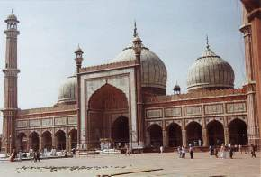 attractions-Jama-Masjid-Agra