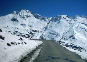 attractions-Rohtang-Pass-Manali