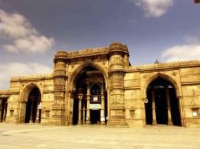 teen-darwaza, ahmedabad
