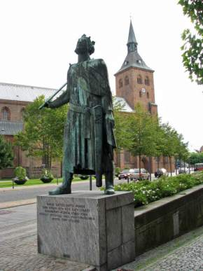 attractions-Odense-St-Knud-Church-Denmark