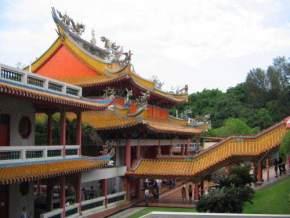 attractions-Kong-Meng-San-Phor-Kark-See-Monastery-Singapore