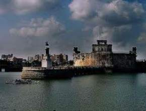 lakhota-fort-and-lake, jamnagar