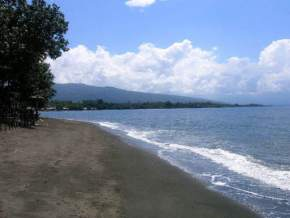 attractions-Lovina-Beach-Indonesia