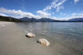 lake-manapouri, new-zealand