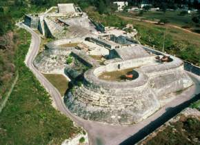 attractions-Fort-Charlotte-Bahamas