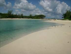 blue-lagoon-island, bahamas