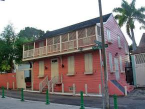 balcony-house, bahamas