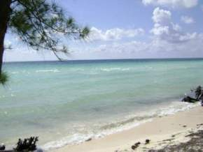 attractions-Gold-Rock-Beach-Bahamas