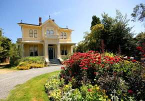attractions-Emily-Carr-House-Canada