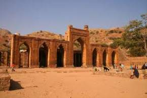 attractions-Adhai-Din-Ka-Jhonpra-Ajmer