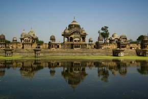 attractions-Kusum-Sarovar-Mathura