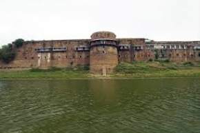 attractions-Allahabad-Fort-Allahabad