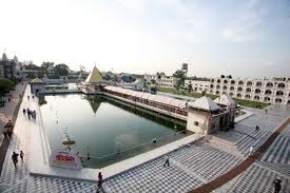 attractions-Devi-Talab-Mandir-Jalandhar