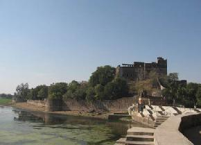 attractions-BauSagar-Tal-Jhansi