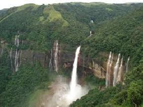 mawsmai-falls, cherrapunji