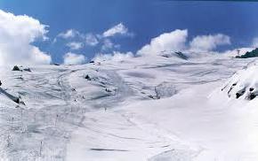 skiing-auli