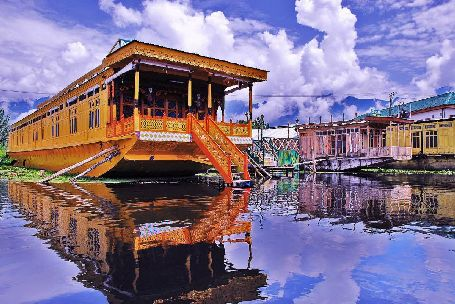 Dal Lake Srinagar, srinagar sightseeing
