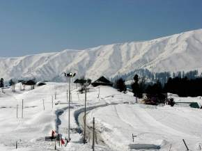 hill-station-in-srinagar
