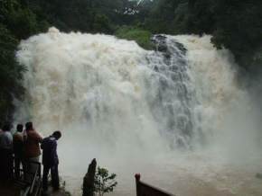 waterfall-in-madikeri