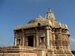 places to visit near Chittorgarh