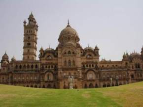 places to visit near Vadodara