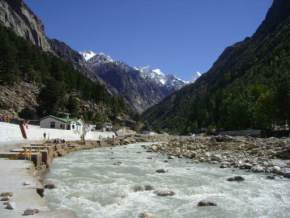 hiking-in-gangotri