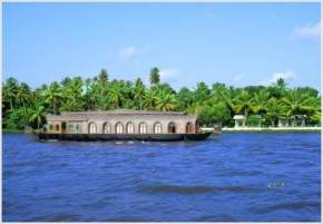 places to visit near Kumarakom