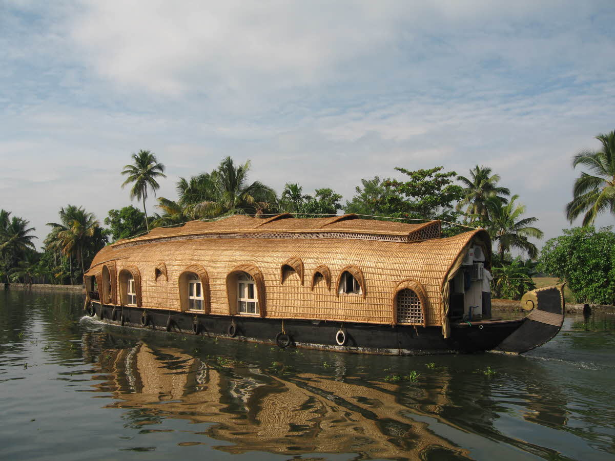 travel-activities-Backwaters