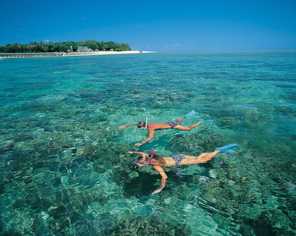 travel-activities-Snorkeling