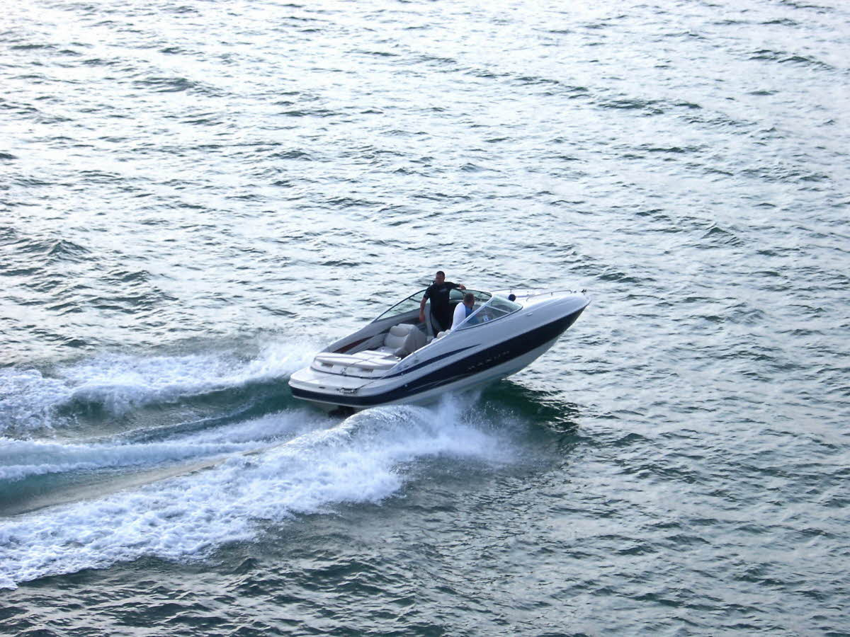 travel-activities-Speedboat-Rides
