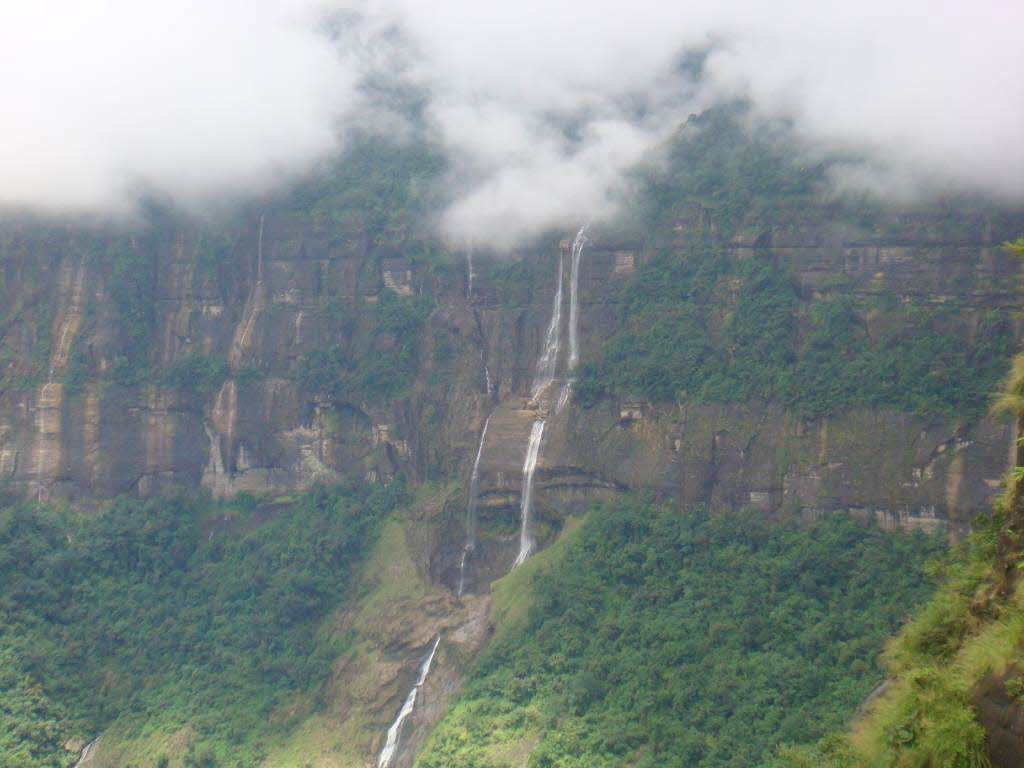 state-Meghalaya tourist attractions