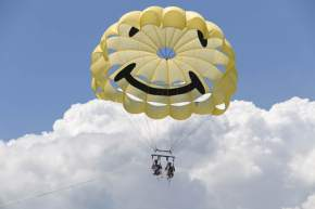 Parasailing in andaman and nicobar islands